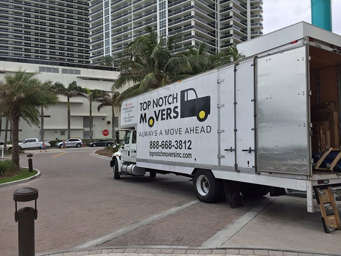 Top Notch Movers truck preparing for a commercial move in Fort Lauderdale