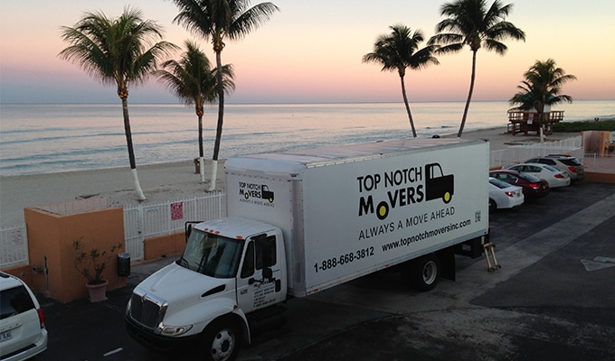 Top Notch Moving truck preparing for a Fort Lauderdale residential move