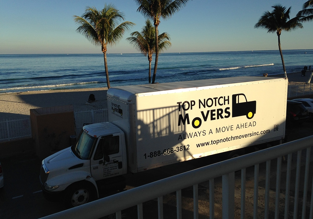 Long distance movers helping move in Fort Lauderdale