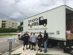 Hollywood FL local moving team