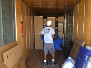 movers in Plantation loading truck