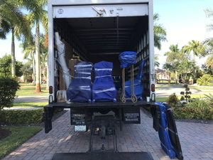 Best long distance moving company loading truck