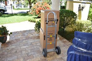 Moving equipment - hand truck